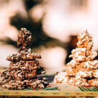Mandelsplitterbäume – wahlweise in Weißer Schokolade, Vollmilch- oder Zartbitterschokolade | Stadt-Café Wanders